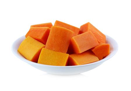 produits alimentaires: papaye en tranches isolé sur fond blanc Banque d'images