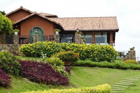 vintage garden house Stock Photo - 14296415