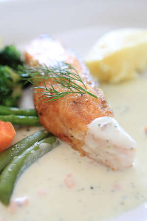 salmon with lemon sauce photo