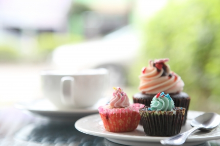 colorful cupcakes Stock Photo - 14804078