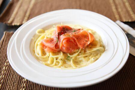 spaghetti with smoked salmon photo