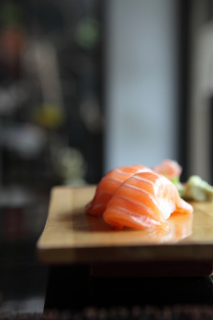 Salmon Sushi Standard-Bild