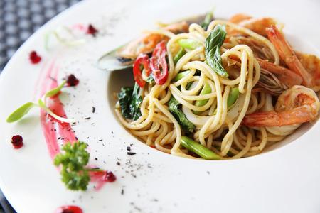 Spaghetti frutti di mare con piccante