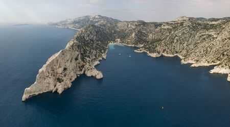 lug: Aerial view of Calanques National Park on the southern coast of France