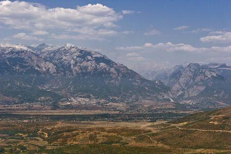 アルバニアのバルカン半島西部の山脈、プロクレティエ山脈の眺め 写真素材