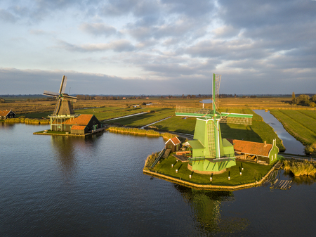Well-preserved historic windmills in Zaanse Schans near Zaandam 스톡 콘텐츠
