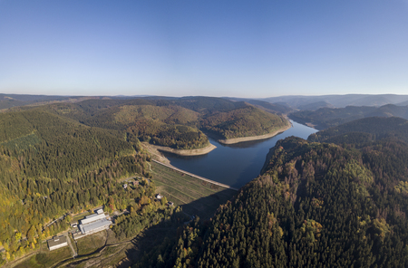 Aerial view Soese Dam and lake in Harz mountains Standard-Bild - 115180981