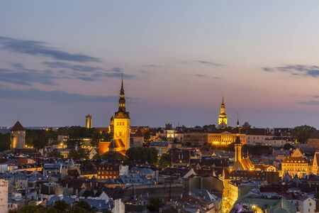 Evening view of well preserved Tallinn old town, Estonia 스톡 콘텐츠