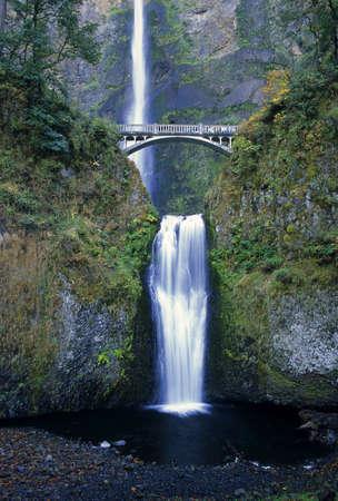 Majestueuze Multnomah Falls ligt in Noordwest-Oregon. Stockfoto