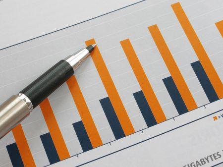 show bill: Pen muestra un diagrama en un informe