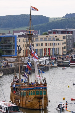 Bristol, England - July 31, 2011 - The Matthew, a replica fifteenth century sailship, departs the 40th annual Harbour Festival Stock Photo - 10208131
