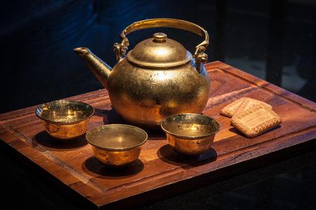 国立のインド紅茶クラッカーと伝統的な飲料。 写真素材