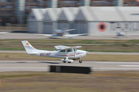 cessna: airplane taking-off