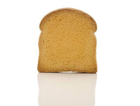 biscotte: Rusk isol� sur fond blanc avec la r�flexion