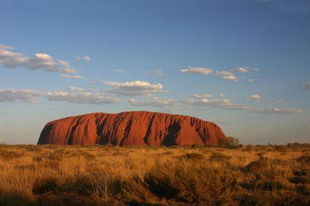 日没時の大きな岩