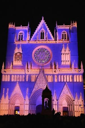 LYON, FRANKREICH - 8. Dezember: Das jährliche Festival of Lights findet in den Denkmälern der Stadt Lyon, am 8. Dezember 2011 in Lyon, Frankreich Editorial