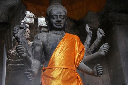 Vishnu Statue in Angkor Wat Temple Stock Photo - 17094106