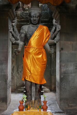 Vishnu Statue in Angkor Wat Temple Stock Photo - 17094095