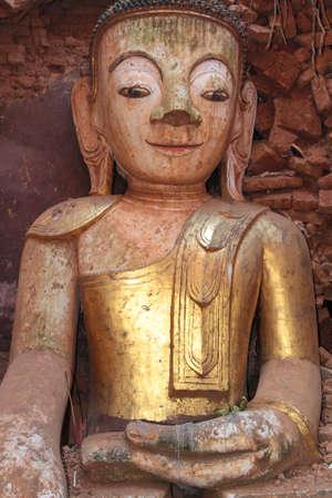 est: INDEIN, MYANMAR - December 13, 2014 : Ruins of Buddha statue of Shwe Indein, Inle lake Myanmar