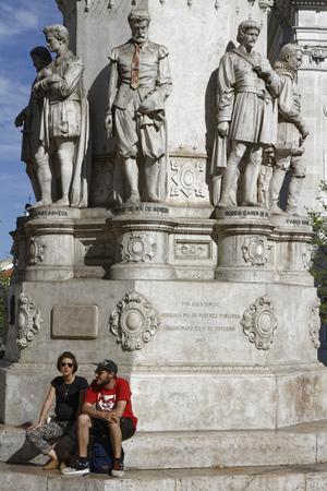 リスボン、ポルトガル、2017 年 4 月 5 日: Praca ルイス da カモンイスの彫像。クック記念碑カモンイスは最古のリスボン。 報道画像