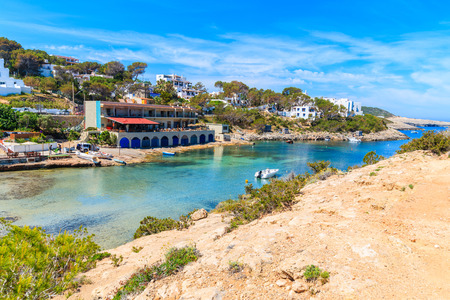 View of small port in Cala Portinatx bay, Ibiza island, Spain Banque d'images