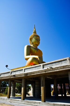 Buddha statue 3 Stock Photo - 16973400