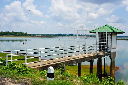 depth gauge: reservoir