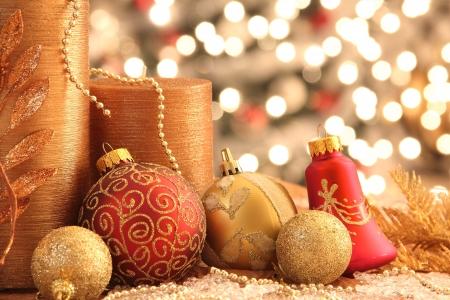 Decoraties met kerst ornamenten met verlichting Stockfoto