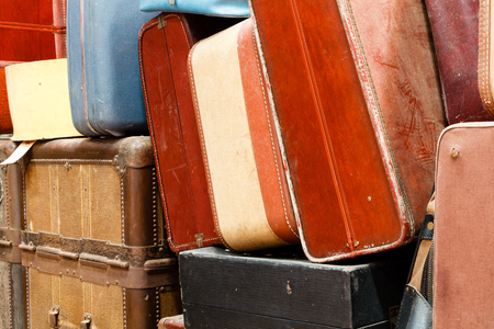 southeastern: Collection of old luggage and baggage on display at the train museum. Southeastern Railway Museum