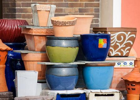 ollas de barro: Muchas vasijas de arcilla