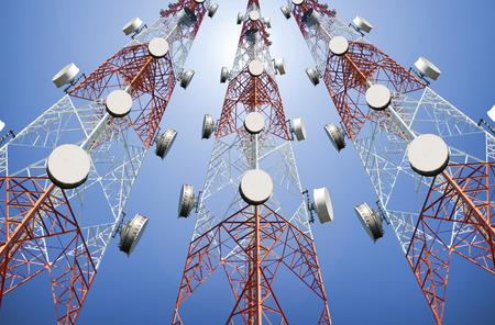 Bottom View of Telecommunication tower under blue sky 免版税图像