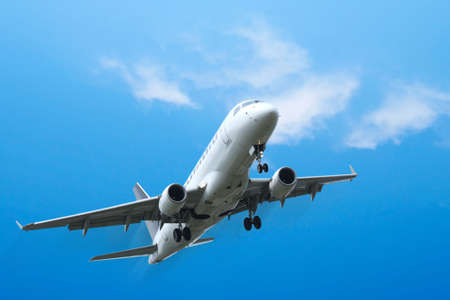 lear:  Commercial aircraft taking off