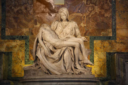 Roma: One of Michelangelos most famous works: Pieta in St. Peters Basilica in Vatican  Stock Photo