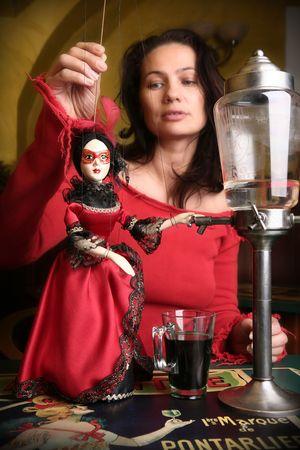 ajenjo: Marionette y ajenjo