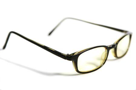 사물. 가지 배경에 안경의 사진