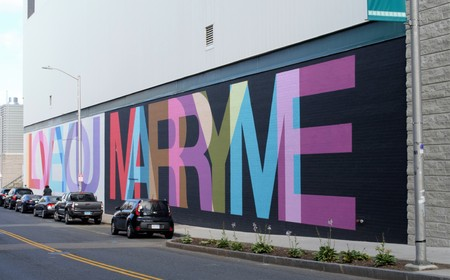 Love wall painting Imagens - 93498294