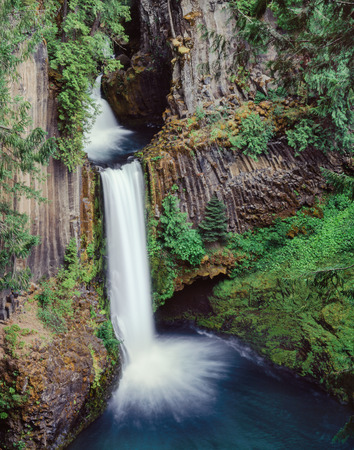 oregon cascades: Toketee Falls, surrounded by basalt columns is located in southern Oregon near Crater Lake National Park, but is seldom visited.