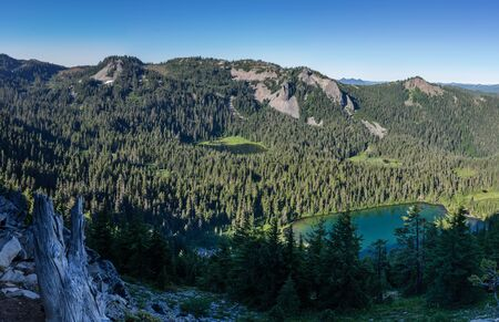 Hunts Lake (foreground) and Hanks Lake view from the Pacific Crest Trail in Mount Jefferson Wilderness, Oregon.