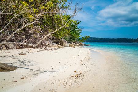 Beautiful tropical island beach south Andaman, Satun Thailand 版權商用圖片
