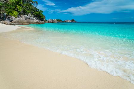 Beautiful tropical similan island white beach -  Thailand Standard-Bild - 102837482