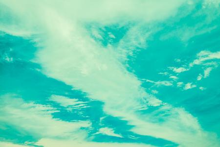 Blue sky with cloud - Vintage filter effect Standard-Bild - 102807238