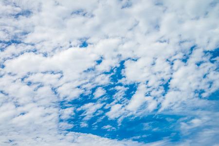 Blue sky with cloud Standard-Bild - 102807245