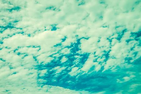 Blue sky with cloud - Vintage filter effect Standard-Bild - 102807247