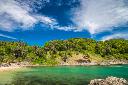 Sea beach blue sky in Phuket island Thailand Standard-Bild - 102807725