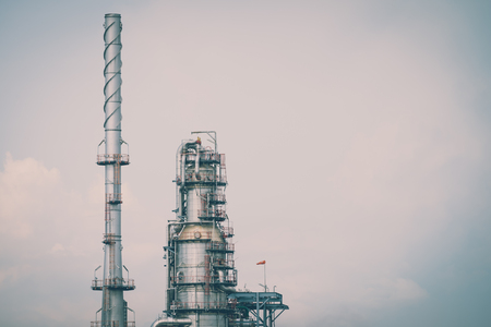 Oil refinery plant industrial view - Vintage effect style Фото со стока