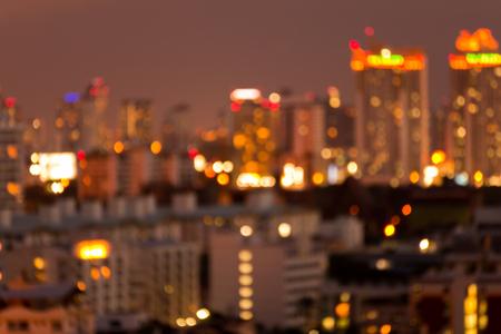 Defocused cityscape at night light golden luxury background Standard-Bild - 102836715