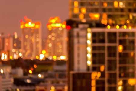 Defocused cityscape at night light golden luxury background Standard-Bild - 102836724