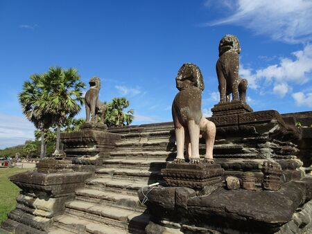 stone lion: Lion Sculptures at Angkor Wat Temple in Siem Reap, Cambodia