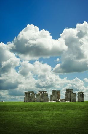 wiltshire: Stonehenge in Wiltshire on a beautiful summers day Stock Photo