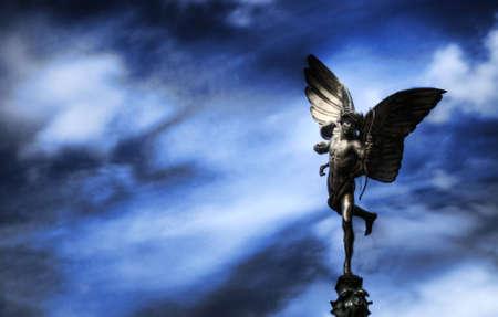 eros: Scultura di Eros a Piccadilly Circus a Londra
